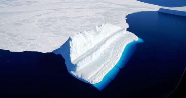 南極の氷の下の古代文明の集落跡
