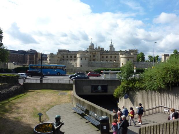 ロンドン塔について調べてみた【イギリス屈指の観光スポット】
