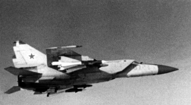 ミグ25 ベレンコ中尉亡命事件【ソ連の戦闘機が日本に侵入した大事件】