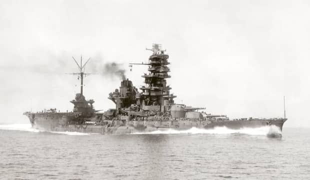 伊勢と日向 ~戦艦と航空母艦のまさかのハイブリッド航空戦艦