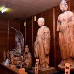 平安仏教を今に伝える木彫3仏像 九州最古級、糸島の浮嶽神社に鎮座
