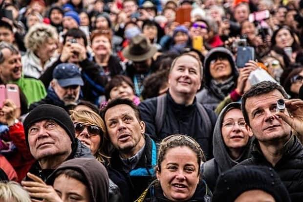 「集団で行う恐怖」群衆心理の危険性