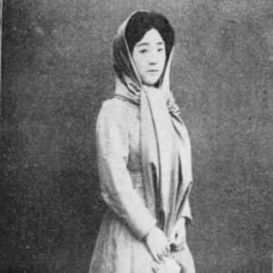 日本初の「歌う女優&美容整形女優」松井須磨子