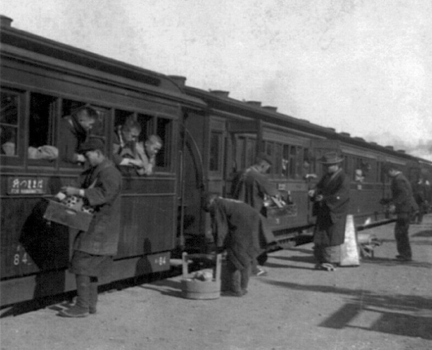 駅弁の歴史と人気駅弁ランキング「明治時代に始まった」