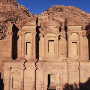 砂漠に噴水! 古代都市の水を集める驚くべき技術