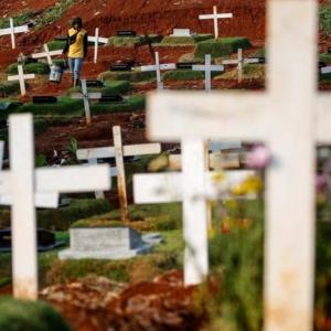 世界の新型コロナ死者数が50万人に到達、感染者1000万人突破